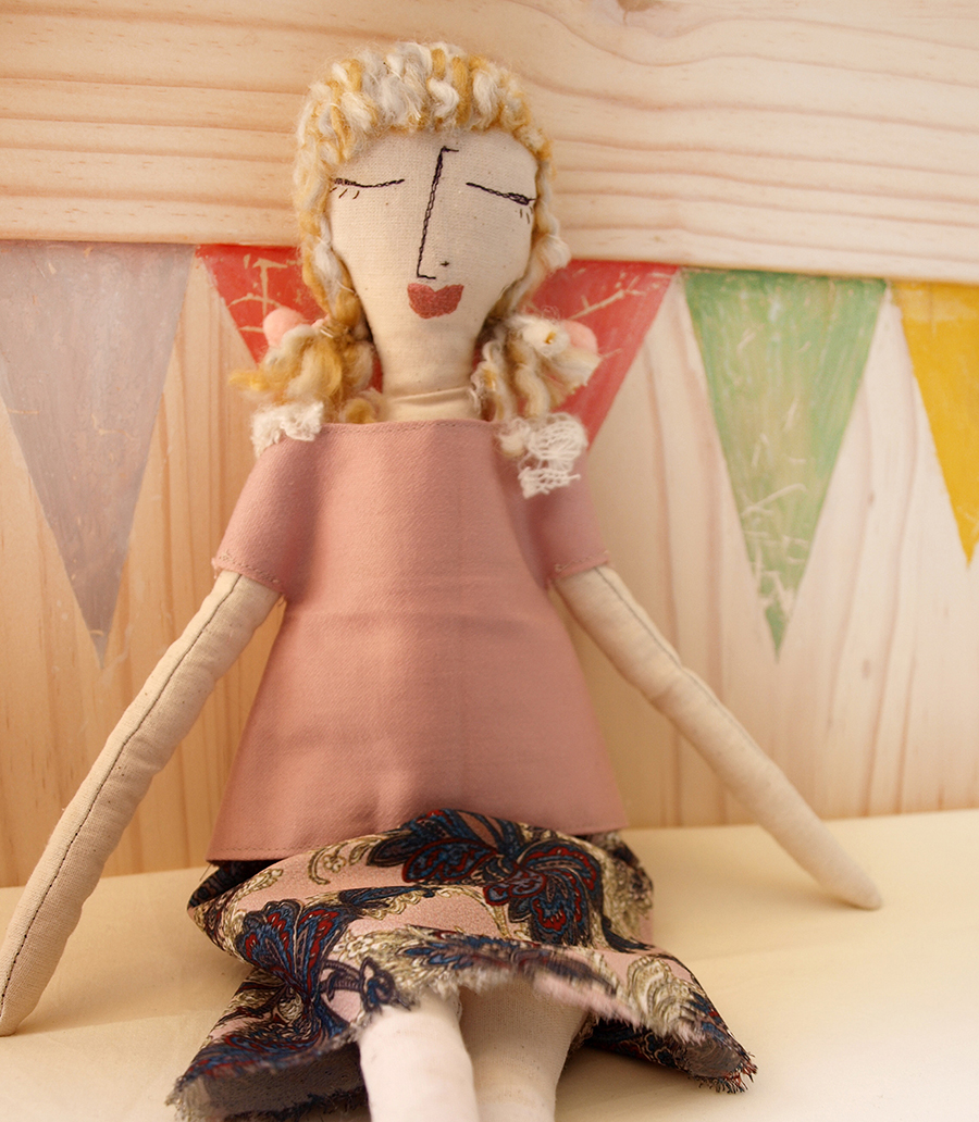 cloth-doll-girl-play-cotton-fabric-skirt-sewing-details