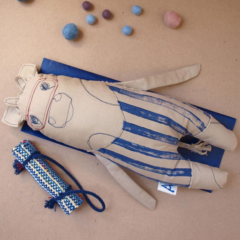 stuffed-animal-farm-animal-blue-swimmer-summer