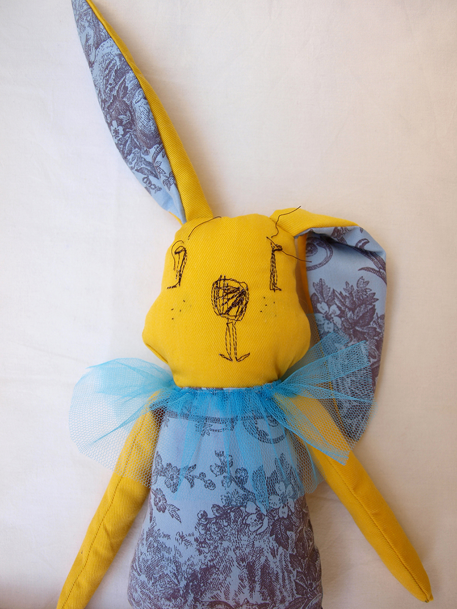 yellow-rabbit-fabric-toy-toile-tulle